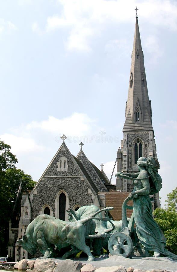 δανικό gefionspringvandet της Κοπεγχάγης εκκλησιών στοκ εικόνα
