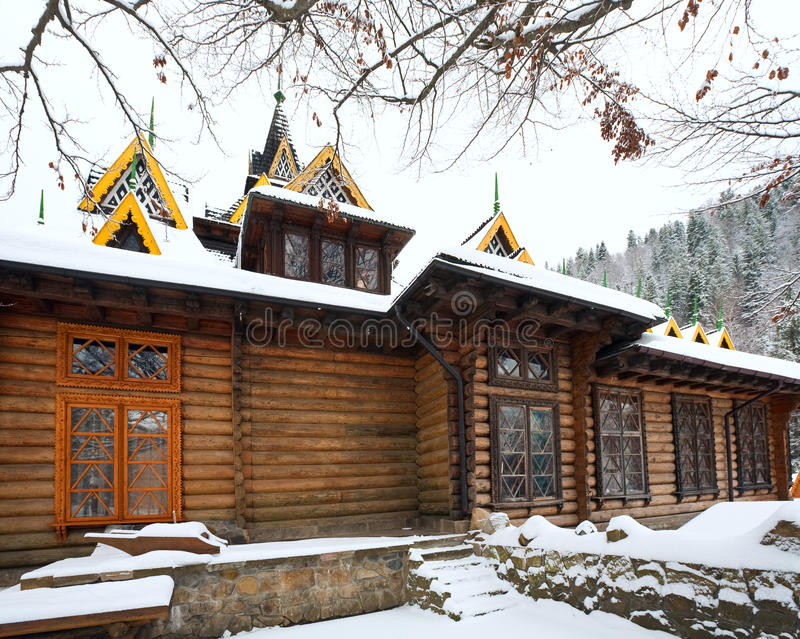 δασικός χειμώνας σπιτιών χ&o στοκ φωτογραφία