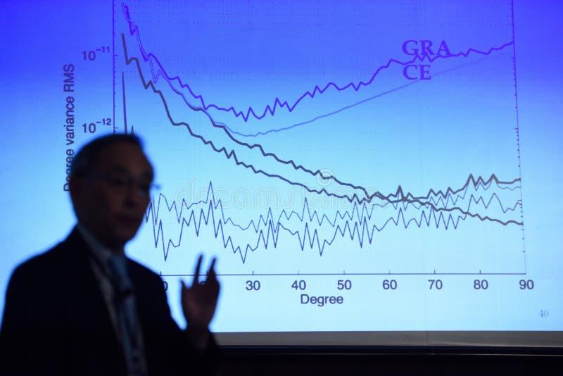 Δαφνοστεφής βραβείων Νόμπελ στη φυσική Steven Chu στοκ εικόνα