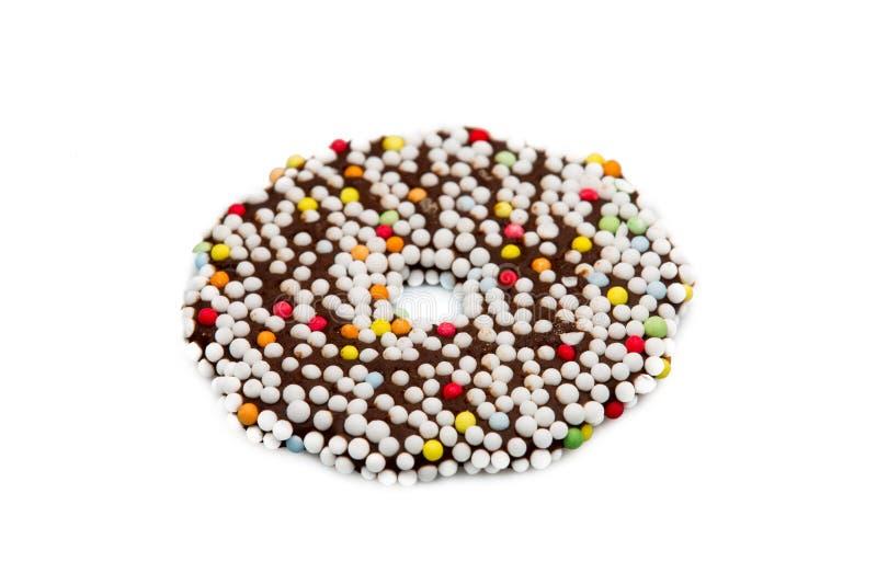 Δαχτυλίδια μπισκότων σοκολάτας στο άσπρο υπόβαθρο στοκ φωτογραφία με δικαίωμα ελεύθερης χρήσης