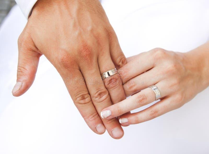 δαχτυλίδια χεριών στοκ εικόνα με δικαίωμα ελεύθερης χρήσης