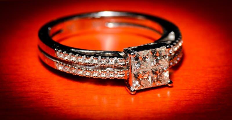 Download δαχτυλίδι αρραβώνων στοκ εικόνες. εικόνα από μέταλλο - 22788314