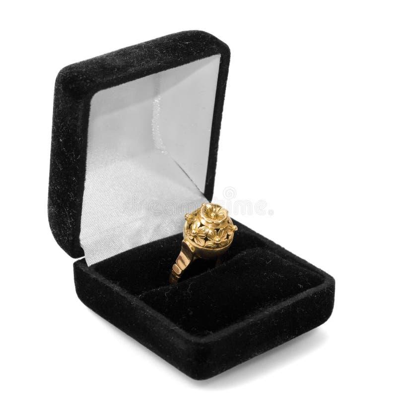 Download δαχτυλίδι αρραβώνων στοκ εικόνες. εικόνα από boxcar, μαύρα - 22788806