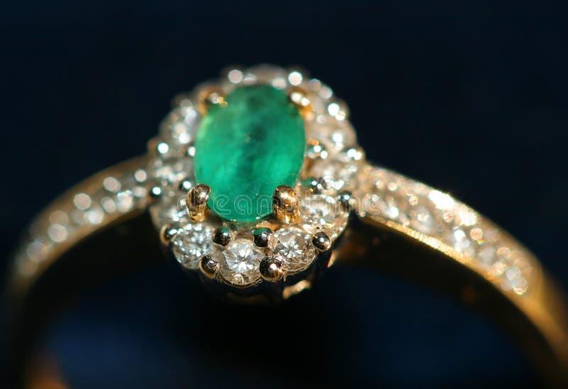 Download δαχτυλίδι στοκ εικόνες. εικόνα από πολύτιμος, αγάπη, διαμάντι - 61650