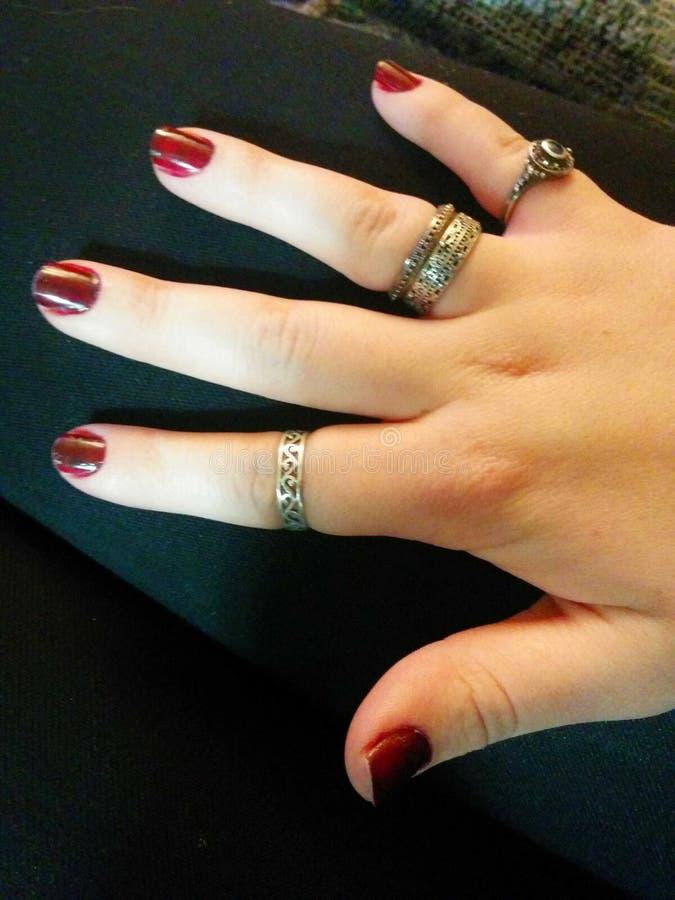 Δαχτυλίδια Goth στοκ φωτογραφία με δικαίωμα ελεύθερης χρήσης