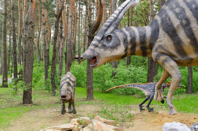 Δεινόσαυρος πρότυπο Parasaurolophus με cubs στοκ φωτογραφία με δικαίωμα ελεύθερης χρήσης