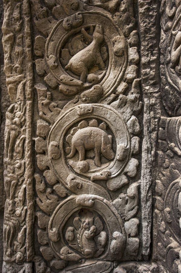 Δεινόσαυρος σε επεξεργασμένο σε Angkor Wat στοκ φωτογραφίες