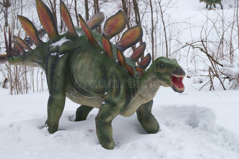 Δεινόσαυρος στο χιόνι στοκ εικόνες με δικαίωμα ελεύθερης χρήσης