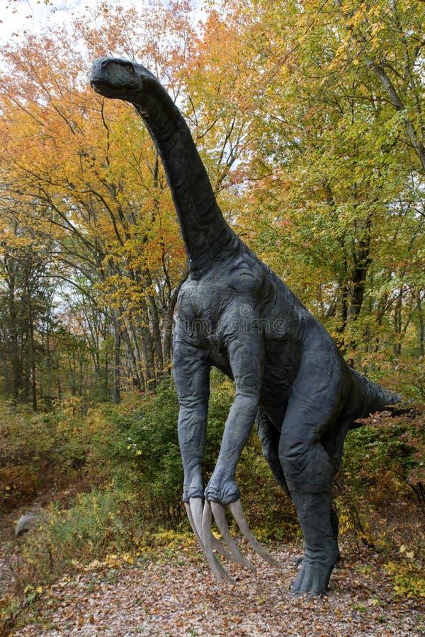 Δεινόσαυρος φυσικού μεγέθους στοκ εικόνα