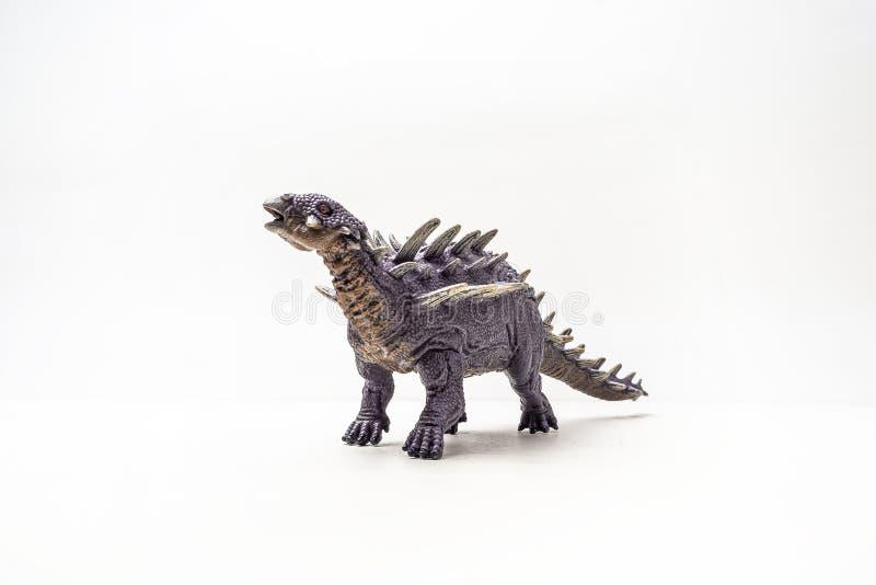 Δεινόσαυρος Polacanthus στο άσπρο υπόβαθρο στοκ εικόνες