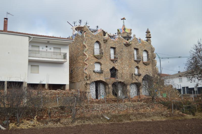 29 Δεκεμβρίου 2013 Rillo de Gallo Λα Mancha, Ισπανία του Γουαδαλαχάρα, Καστίλλη Νεωτεριστικό κτήριο ύφους EL Capricho Rillano Gau στοκ εικόνες