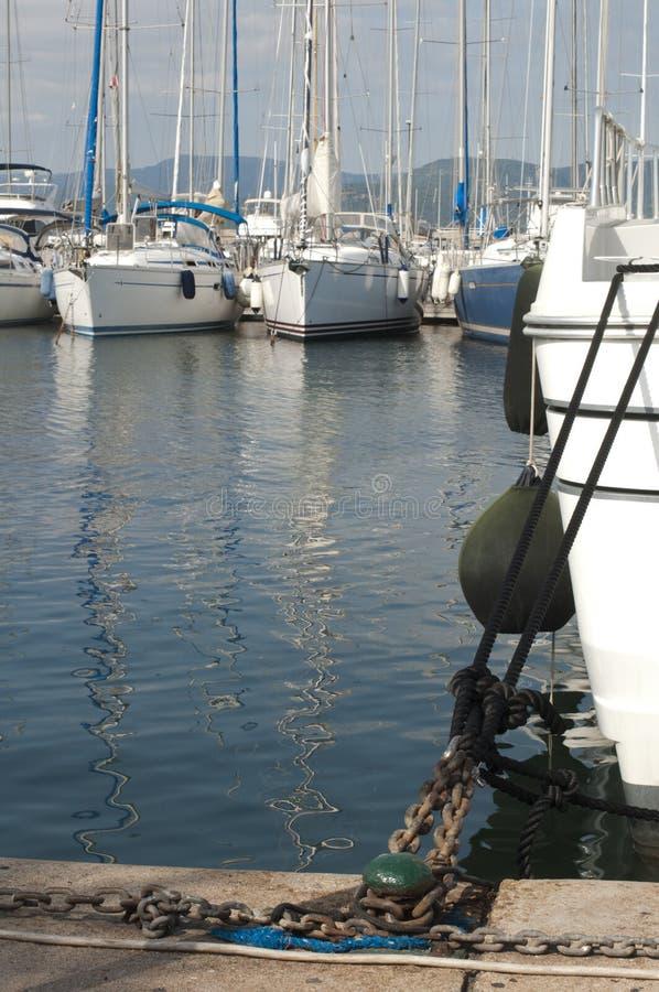Δεμένα γιοτ στο ST Tropez στοκ εικόνα
