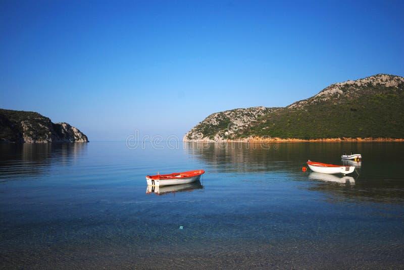 δεμένες βάρκες κόλπων στοκ φωτογραφίες με δικαίωμα ελεύθερης χρήσης
