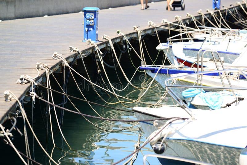 Δεμένες γιοτ και βάρκες στοκ φωτογραφίες με δικαίωμα ελεύθερης χρήσης