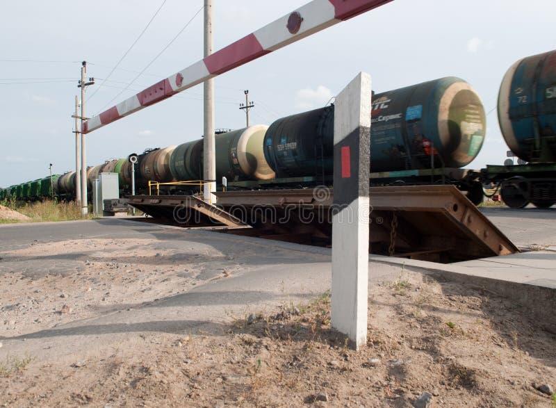 Δεξαμενές με το πετρέλαιο που λαμβάνεται με το τραίνο στοκ εικόνες με δικαίωμα ελεύθερης χρήσης