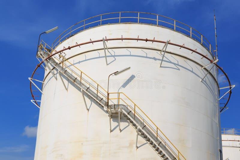 Δεξαμενή πετρελαίου αποθήκευσης στοκ εικόνα