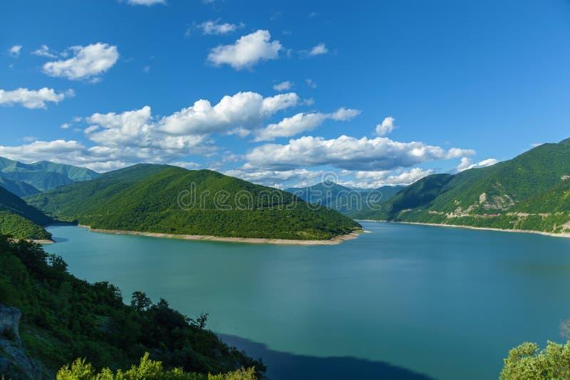 Δεξαμενή στα βουνά στοκ εικόνα με δικαίωμα ελεύθερης χρήσης