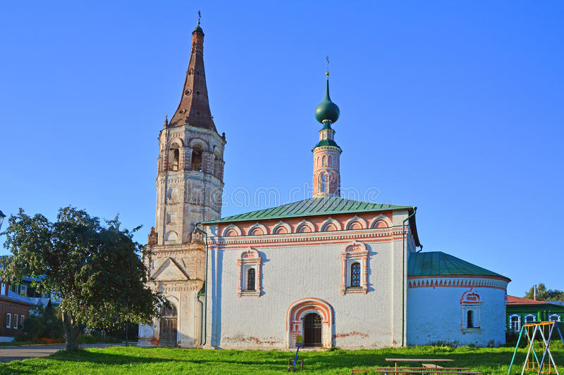 Δευτερεύουσα πρόσοψη Αγίου Nikolay& x27 εκκλησία του s κοντά στο Κρεμλίνο στο Σούζνταλ, Ρωσία στοκ φωτογραφίες με δικαίωμα ελεύθερης χρήσης