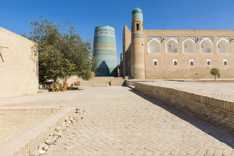 Δευτερεύων μιναρές Kalta σε Khiva, περιοχή Khorezm, του Ουζμπεκιστάν στοκ εικόνα