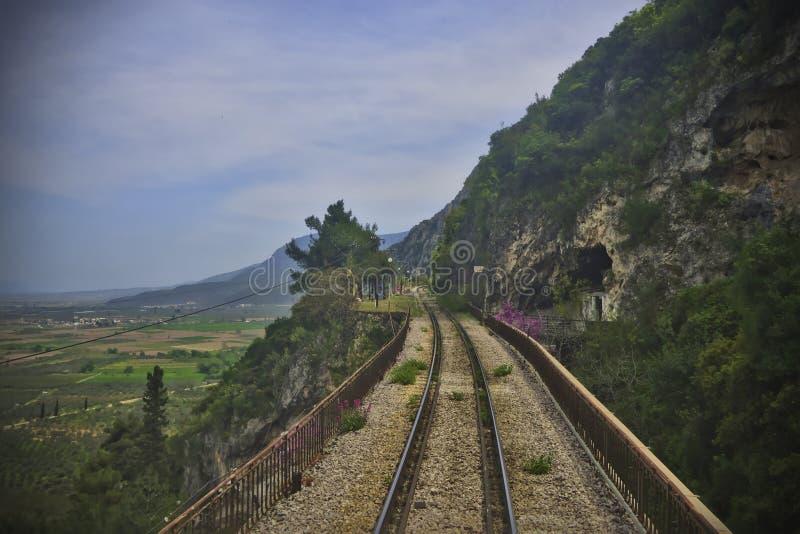 Δευτερεύων σιδηρόδρομος απότομων βράχων στοκ εικόνα με δικαίωμα ελεύθερης χρήσης