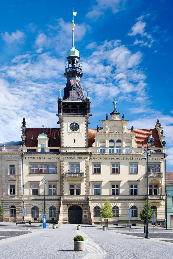 Δημαρχείο, ιστορικό πόλης κέντρο της πόλης Κλάντνο, κεντρική Βοημία, Τσεχία στοκ εικόνες