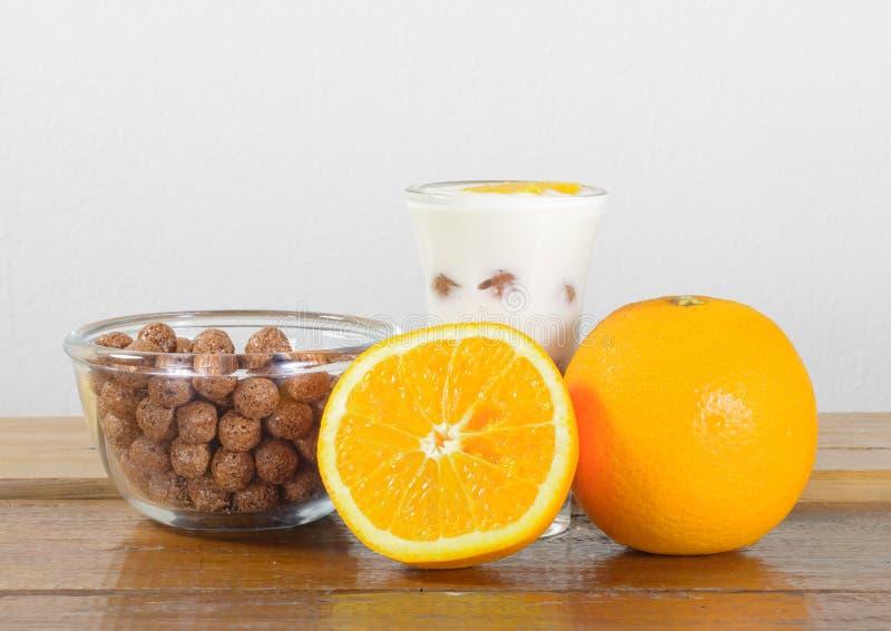 Δημητριακά και πορτοκάλι στοκ φωτογραφίες με δικαίωμα ελεύθερης χρήσης