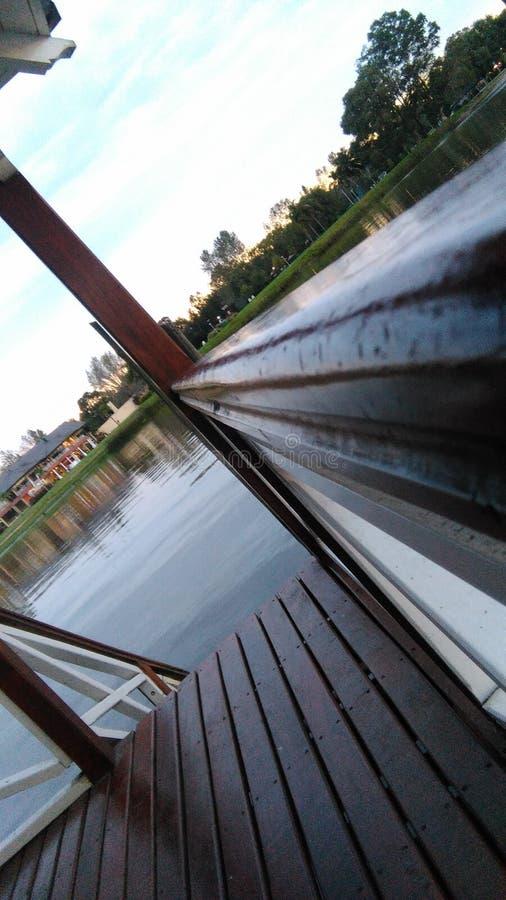 Δημιουργική άποψη σχετικά με τη λίμνη στοκ εικόνες με δικαίωμα ελεύθερης χρήσης