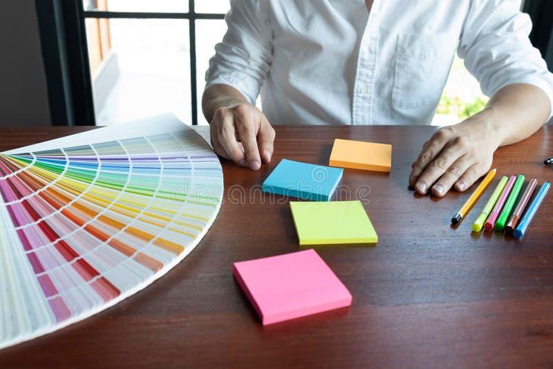 Δημιουργική εργασία για τα όμορφα χρώματα χρώματος, διάφορα χρώματα, τόνοι χρώματος, σύγκριση χρώματος στοκ φωτογραφίες με δικαίωμα ελεύθερης χρήσης