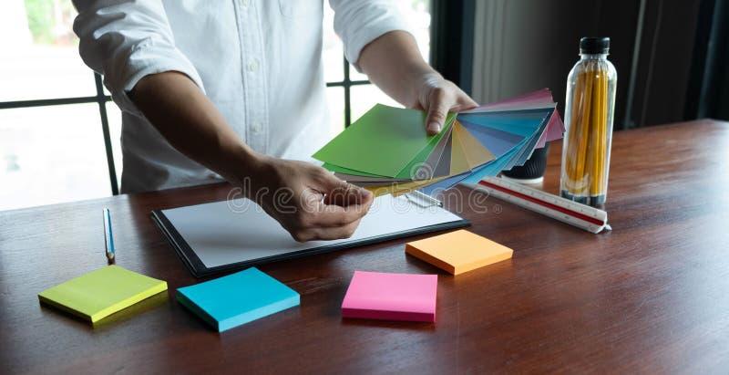 Δημιουργική εργασία για τα όμορφα χρώματα χρώματος, διάφορα χρώματα, τόνοι χρώματος, σύγκριση χρώματος στοκ εικόνα