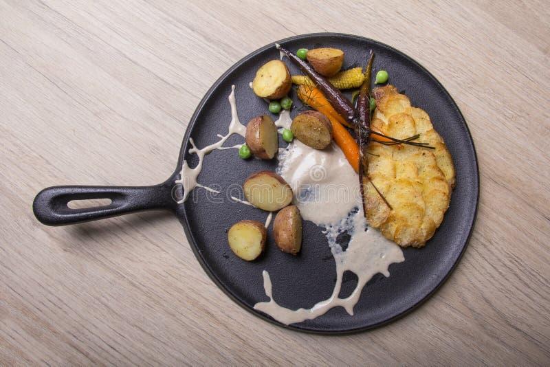 Δημιουργική και θρεπτική κουζίνα στοκ φωτογραφία