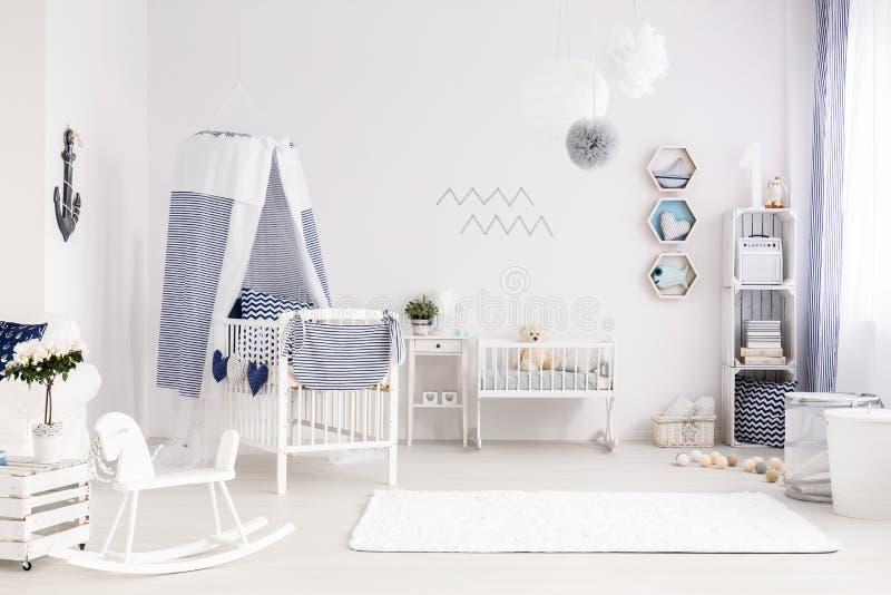 Δημιουργική ρύθμιση του δωματίου μωρών στοκ εικόνα