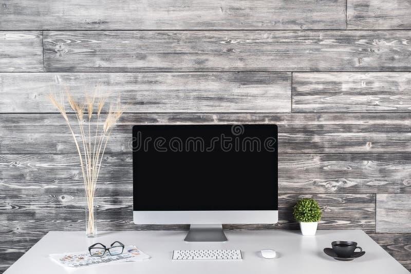 Δημιουργικός εργασιακός χώρος σχεδιαστών στοκ φωτογραφία με δικαίωμα ελεύθερης χρήσης