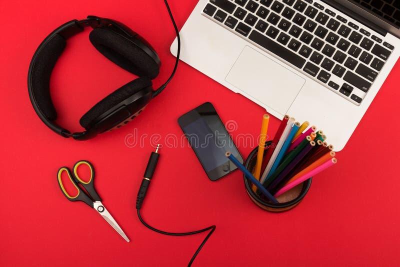 Δημιουργικός εργασιακός χώρος στοκ εικόνες με δικαίωμα ελεύθερης χρήσης
