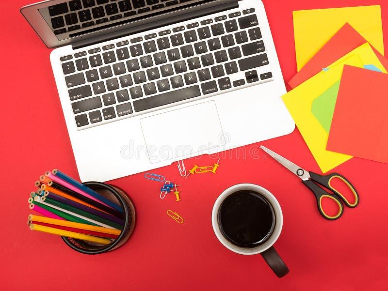 Δημιουργικός εργασιακός χώρος στοκ εικόνα με δικαίωμα ελεύθερης χρήσης