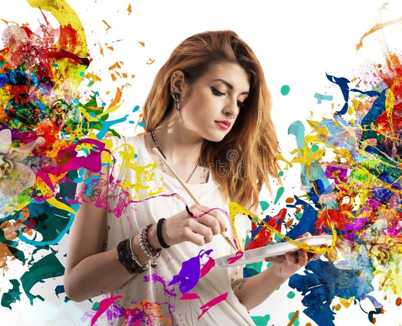 Δημιουργικός ζωγράφος κοριτσιών στοκ εικόνες