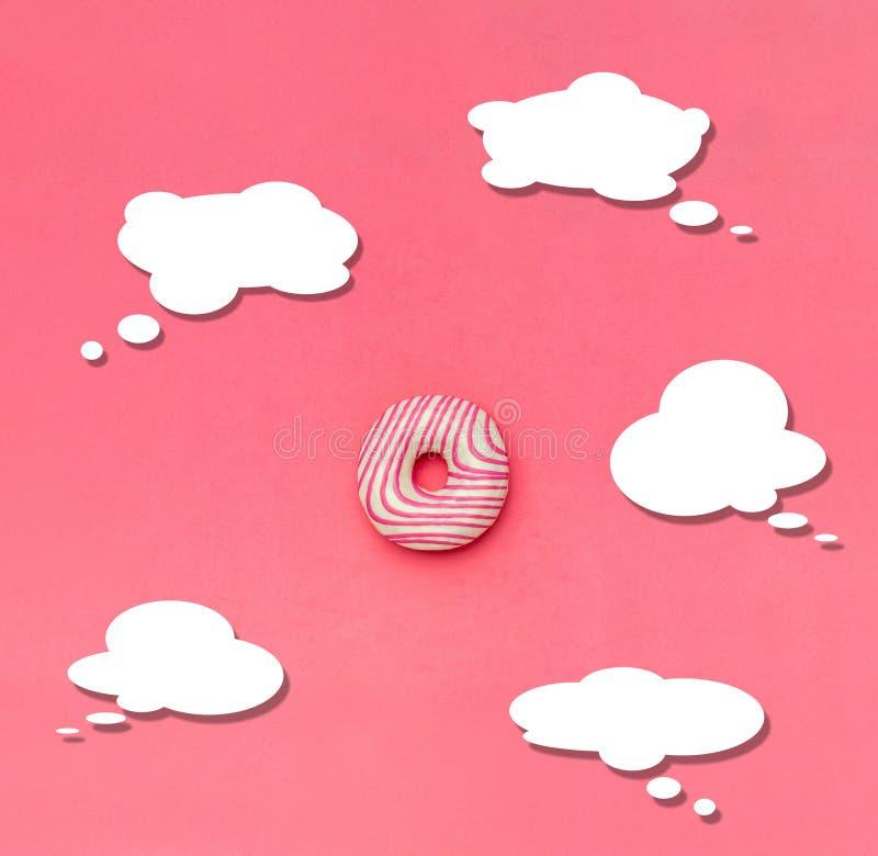 Δημιουργικός μινιμαλισμός τροφίμων, doughnut, τοπ άποψη, διάστημα αντιγράφων στοκ φωτογραφία με δικαίωμα ελεύθερης χρήσης