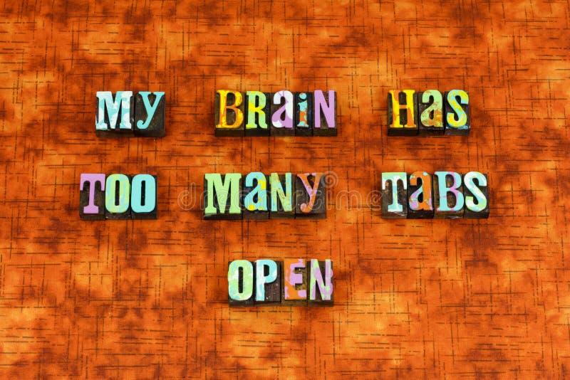 Δημιουργικός πολυάσχολος μυαλού εγκεφάλου σκέφτεται letterpress στοκ εικόνες