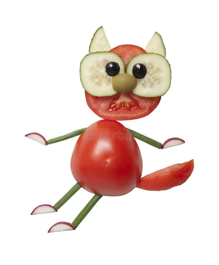 Δημιουργικός τρόπος να γίνει μια γάτα με τα φρέσκα λαχανικά στοκ εικόνα με δικαίωμα ελεύθερης χρήσης