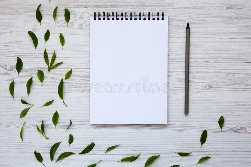 Δημιουργικός υπολογιστής γραφείου με το σημειωματάριο και το μολύβι Τοπ όψη στοκ φωτογραφίες με δικαίωμα ελεύθερης χρήσης