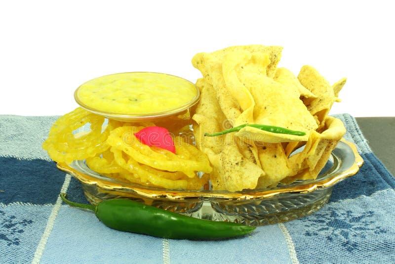 Δημοφιλές παραδοσιακό jalebi fafda πρόχειρων φαγητών gujarati ινδικό στοκ εικόνες