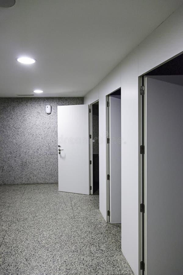Δημόσιες τουαλέτες στοκ φωτογραφία με δικαίωμα ελεύθερης χρήσης