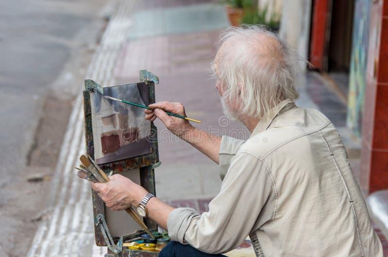 Δημόσιος ζωγράφος στο λόφο Montmartre στο circa του Παρισιού στοκ φωτογραφία με δικαίωμα ελεύθερης χρήσης