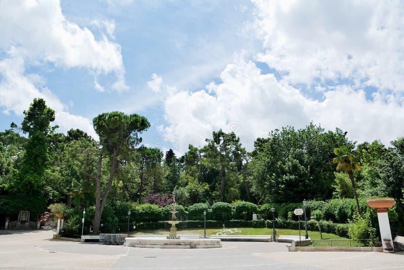 Δημόσιος κήπος στο κέντρο Chieti (Ιταλία) στοκ φωτογραφίες