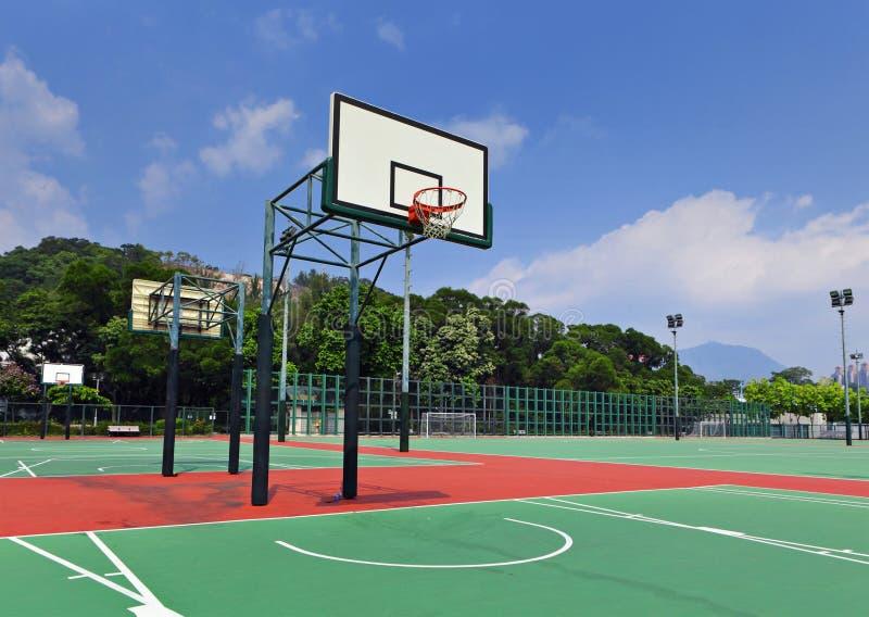 Δημόσιο γήπεδο μπάσκετ στοκ εικόνα με δικαίωμα ελεύθερης χρήσης
