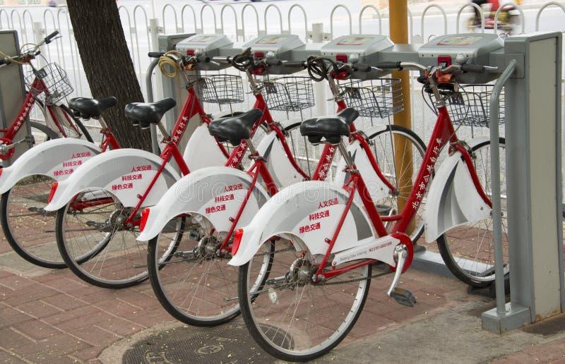 Δημόσιο ενοίκιο ποδηλάτων στοκ φωτογραφία με δικαίωμα ελεύθερης χρήσης