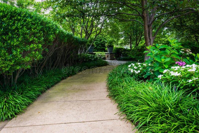 Διάβαση πεζών και κήποι στον κήπο της Mary, στη βασιλική στοκ φωτογραφίες