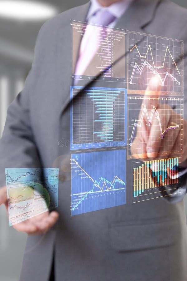 Διάγραμμα χεριών επιχειρηματιών στοκ φωτογραφία