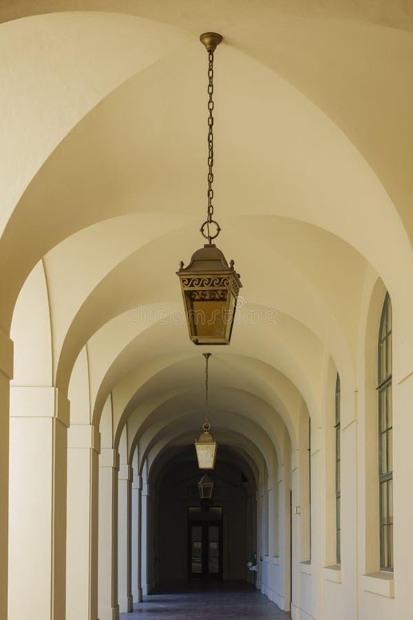 Διάδρομος του όμορφου Πασαντένα Δημαρχείο στο Λος Άντζελες, Καλιφόρνια στοκ φωτογραφία