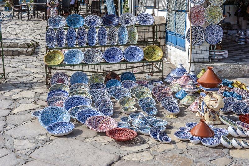 Διάσημα τυνησιακά παραδοσιακά κεραμικά εμπορεύματα στοκ εικόνες