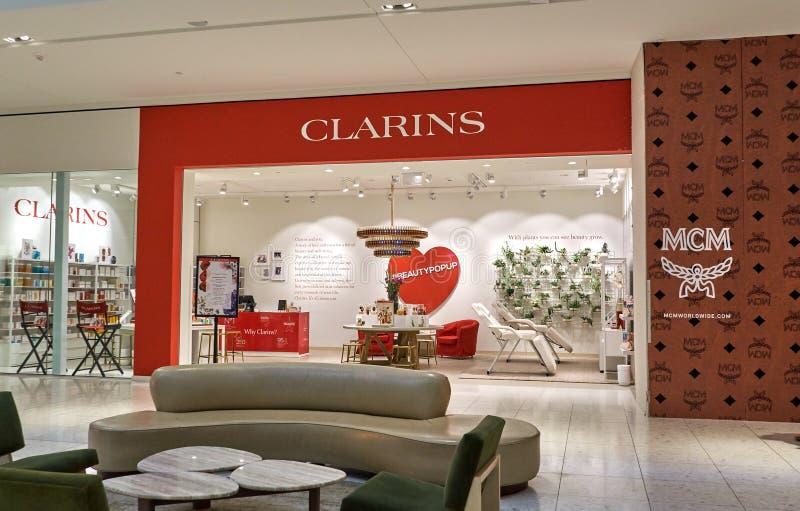 Διάσημη μπουτίκ Clarins στοκ εικόνα